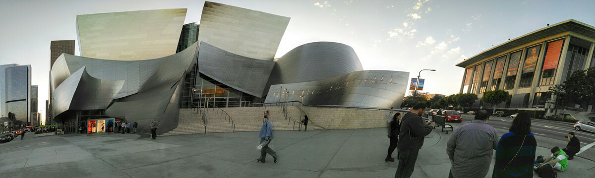 Panorama view of Disney Hall prior to the concert
